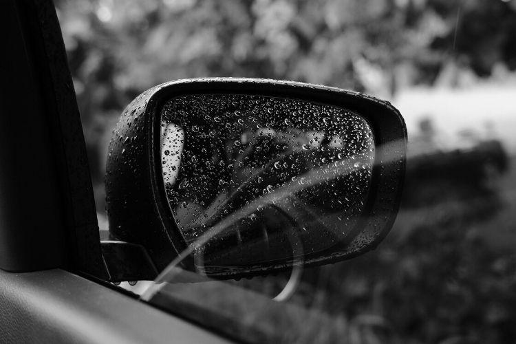 Wyjaśniamy, jakie ubezpieczenie chroni samochód przed zalaniem!